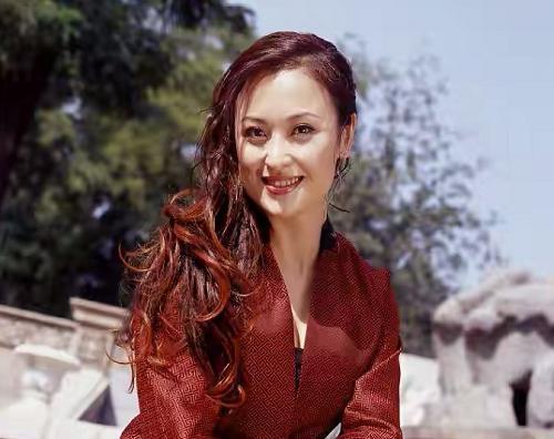 王璐瑶是俄罗斯血统吗,她当初年轻照片组图