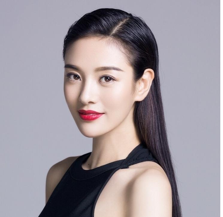 郑清文靳东结婚是真的吗,她现实老公是谁?